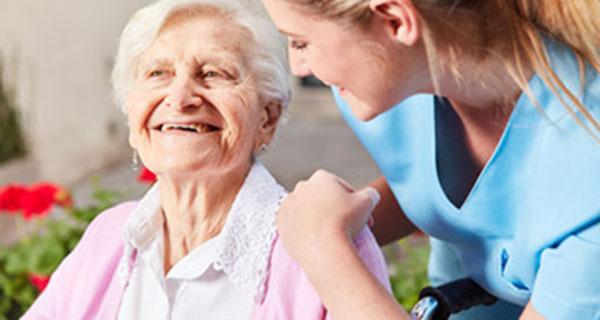 servicio de cuidado a mayores y acompañamiento hospitalario tentable